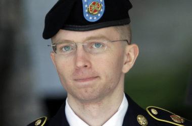 BREAKING: Barack Obama reduces Bradley/Chelsea Manning's sentence  Chelsea Manning